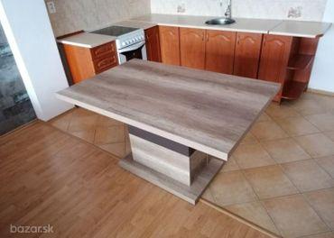Predám jedálenský stôl vrátane stoličiek