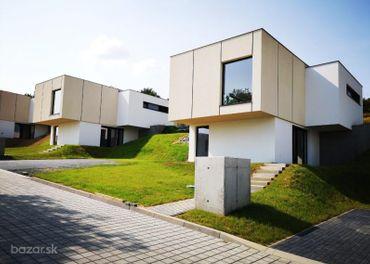 Moderný 4 izbový rodinný dom v tichej lokalite
