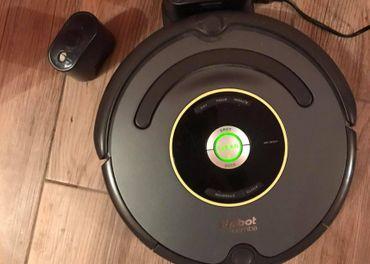 Robotický vysávač Roomba.