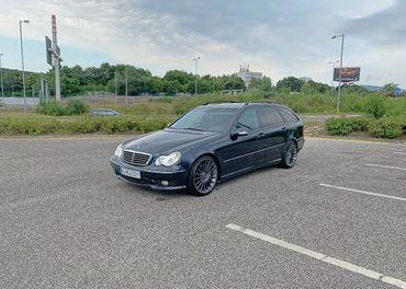 Mercedes C32 AMG model T
