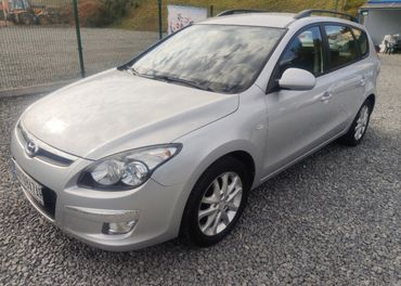 Hyundai i30 combi 1.6 benz+LPG (BRC) ,,,129 800 Km,,,
