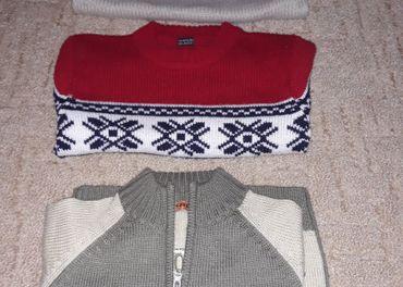 Predam chlapcenske pulovre 4 roky