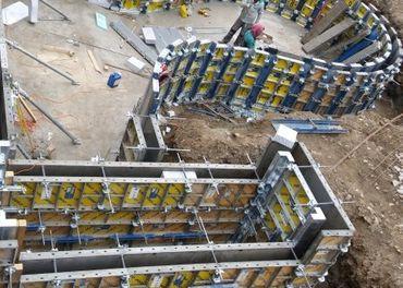 Ponúka stavebné práce