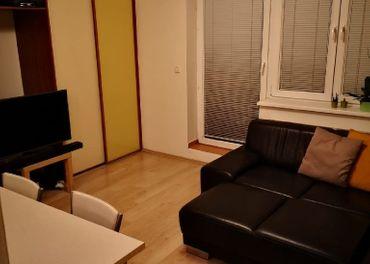 Prenájom 1,5 izbového bytu v novostavbe na Kresankovej ulici