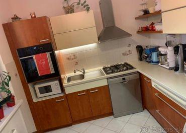 Na predaj veľmi pekný 2.izbový byt v SENCI