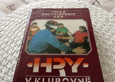 Kniha - Hry v klubovně