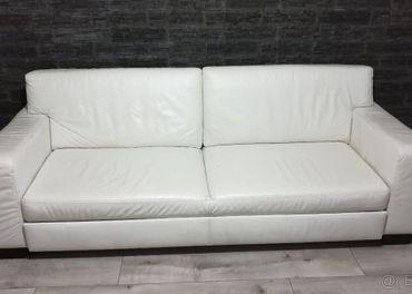 Biela kožená sedačka