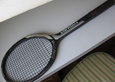 Predam drevenu tenisovu raketu