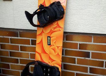 Snowboard Aperol dĺžky 157cm-len raz použitý ako nový