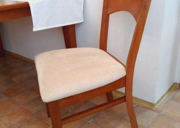 Jedálenská stolička_dekor čerešňa