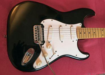 Elektrická gitara Stratocaster FENIX by Young Chang