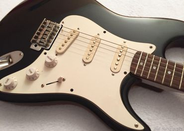 Predám elektrickú gitaru Stratocaster CHERI