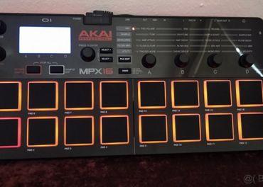 Akai mpx16-desktop sampler