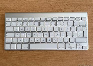 Apple Magic Keyboard (1. gen)