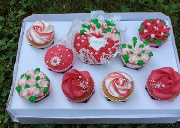 Originálne zdobené koláče/ zákusky/ cupcakes