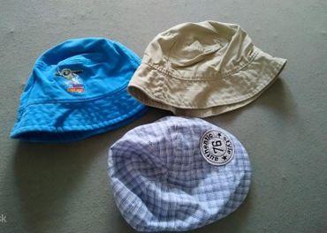 zachovalé klobúčiky