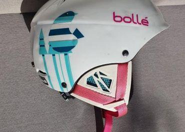 Predám dievčenskú lyžiarsku prilbu BOLLÉ.