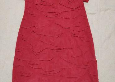 krátke červené šaty