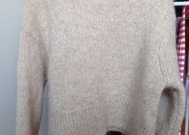 H&M Krásny svetrík z vlny