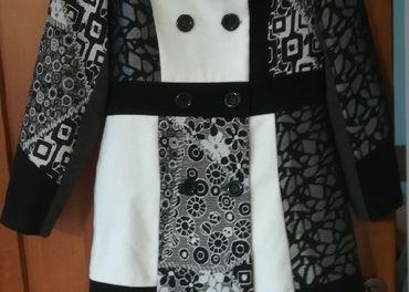 čierno biely kabát so vzorom veľ. M