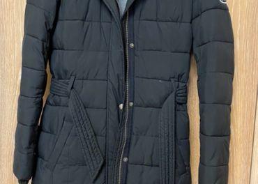 Predám zimný kabát A&F s kožušinovou kapucou