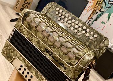 Finotte akordeón harmonika heligonka