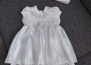 Šaty na krst s čelenkou