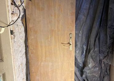 dvere 65 cm sirka, prave