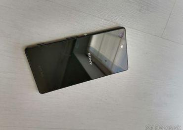 Sony Xperia M5, plne funkčný