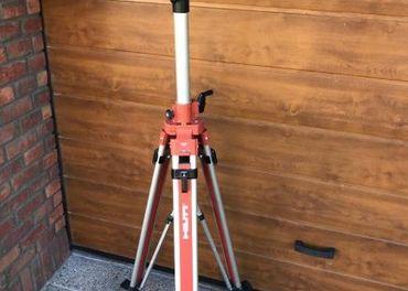 Zánovný rotačný laser HILTI PR16 a kľukový statív