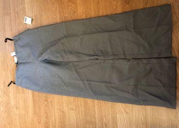 Šedé dámske sako s nohavicami