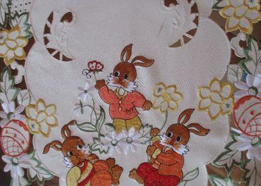 Dečka krémová oválna - zajačiky 86 x 38 cm