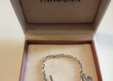 Pandora náramok,, prepletené srdcia