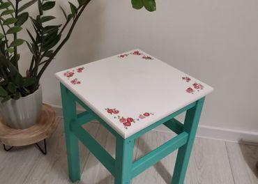 drevený stolček / stolička