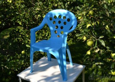 Plastová detská stolička