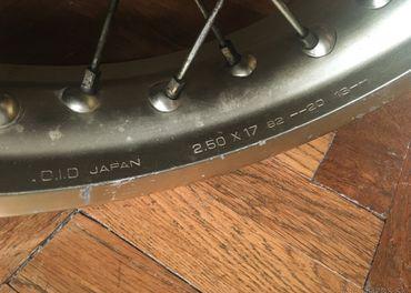 Honda Dominator - zadné koleso