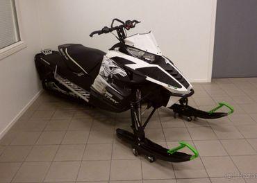 2014 Arctic-Cat XF 7000
