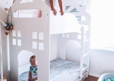 Poschodová posteľ domček-so šuflíkmi aj matracmi