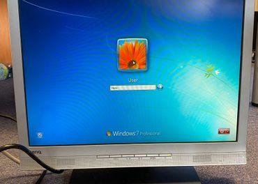 """Predam starsi monitor BENQ 17"""" 1280x1024"""