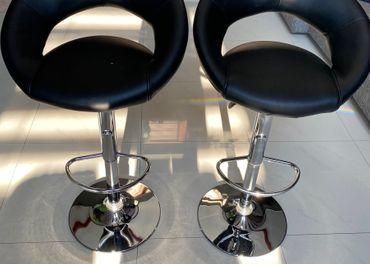 Barové nastaviteľné stoličky 2ks