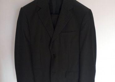 Nový oblek James s košeľou zdarma