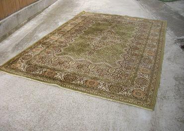 stary koberec