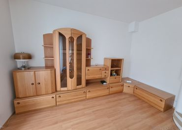 Drevená obývacia stena+stolík-bez odvozu