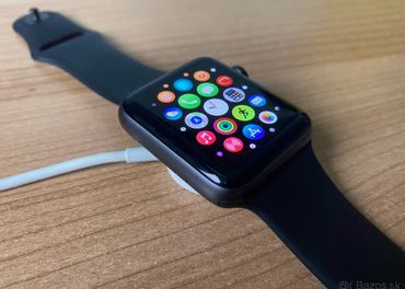 Apple Watch Series 3 42mm Space Gray Black Sport Band