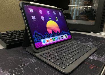 Logitech keyboard case for iPad Pro 12.9 3rd generation
