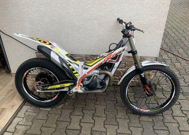 Trial Moto TRS 125