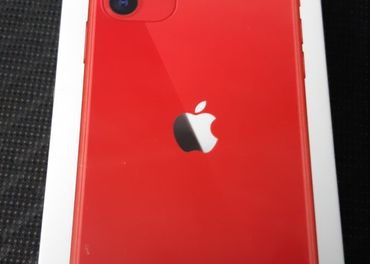 Iphone 11 , 64 GB Red
