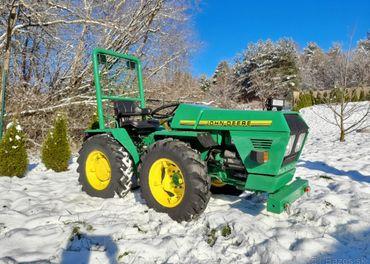 Traktor-malotraktor JOHN DEERE 4X4