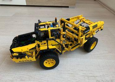 LEGO Technic 42 030 Volvo L350F Kolesovy nakladač