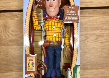 Toy story 4, hracky Sheriff Woody a Robot Buzz